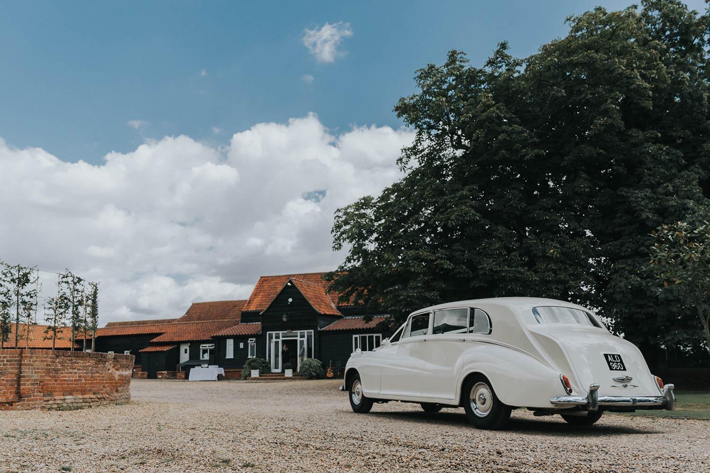 vaulty manor wedding