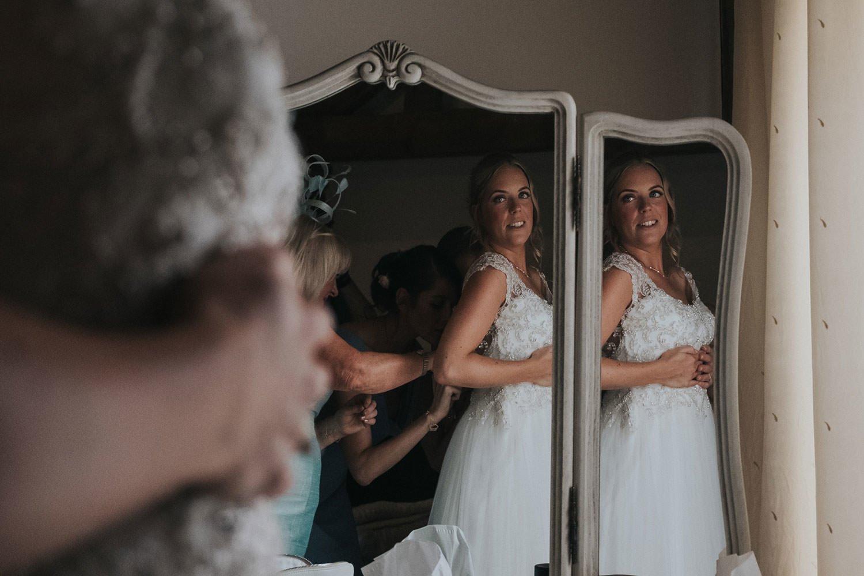 bride pose essex