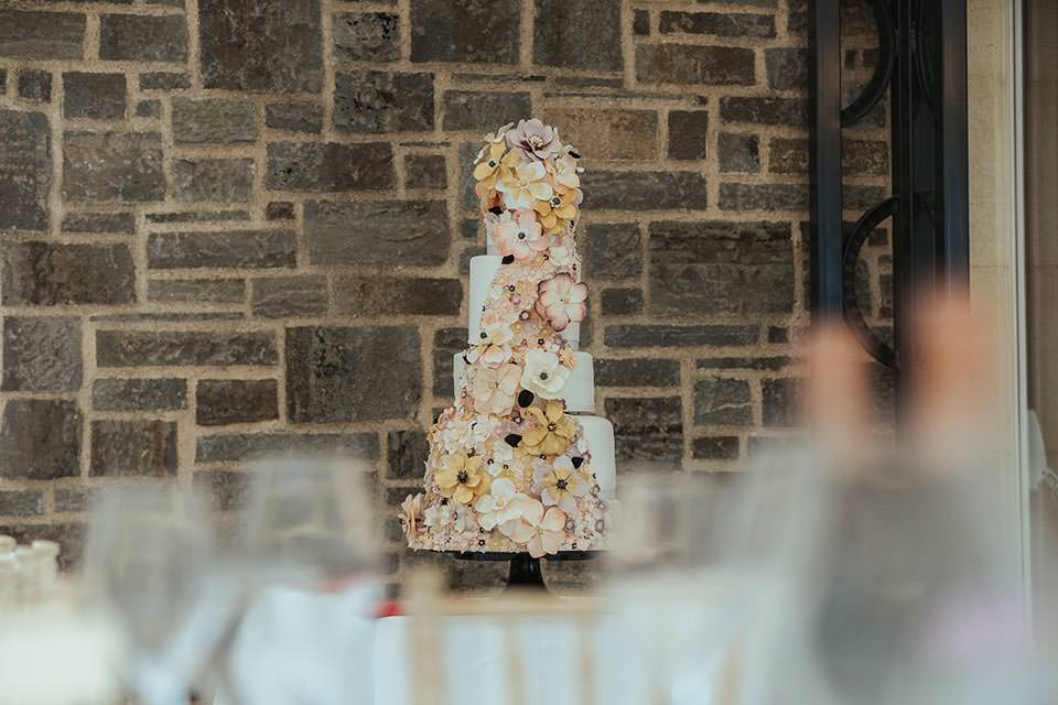paschoe house wedding cake