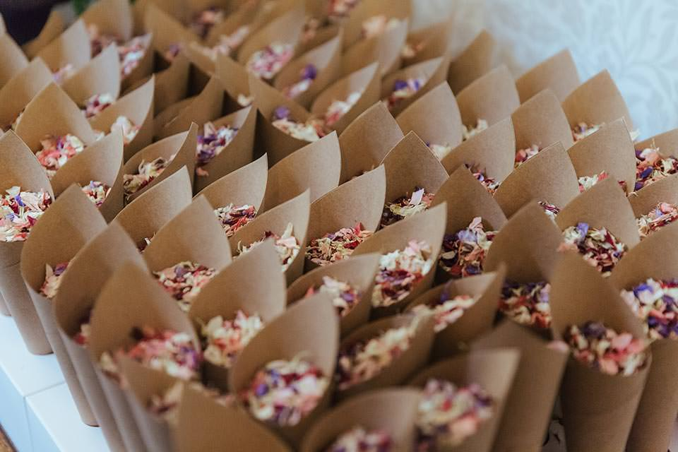 paschoe house wedding confetti
