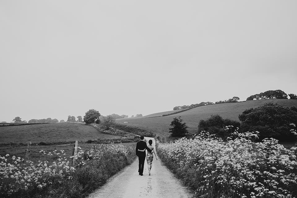 paschoe house wedding couple walk