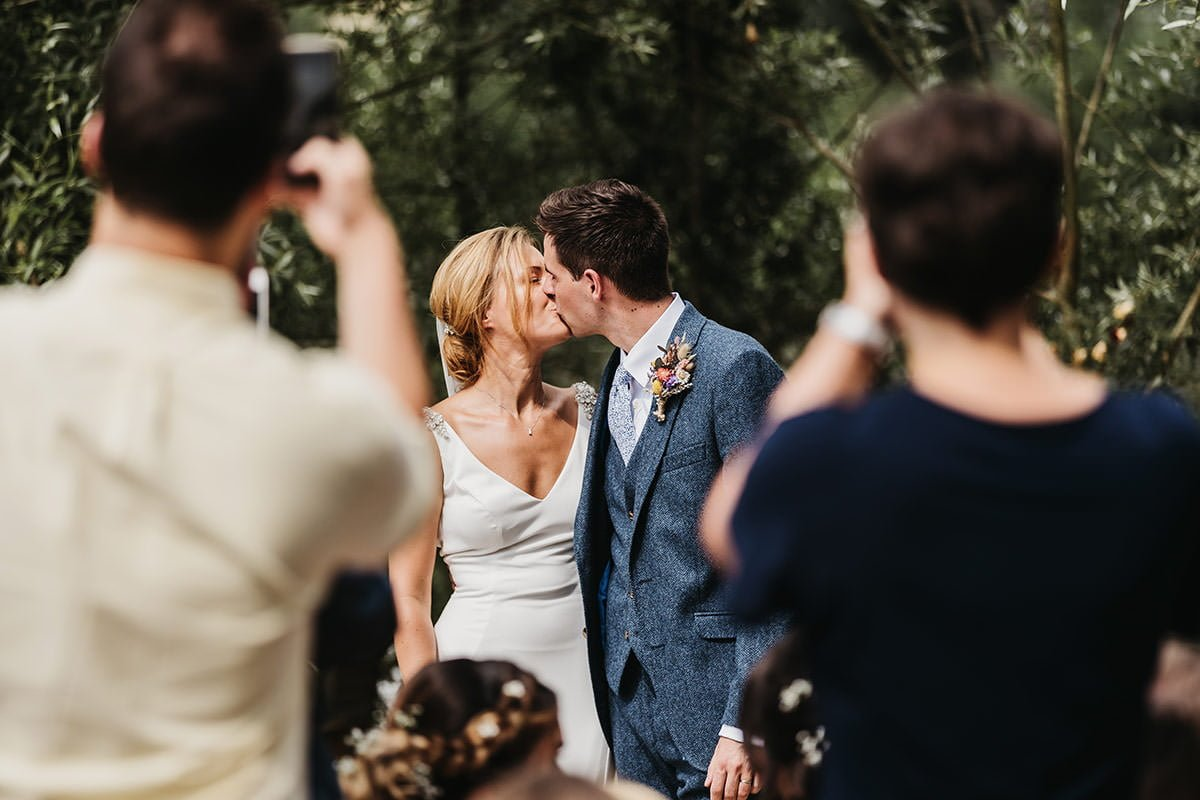 Browning Bros Wedding kiss